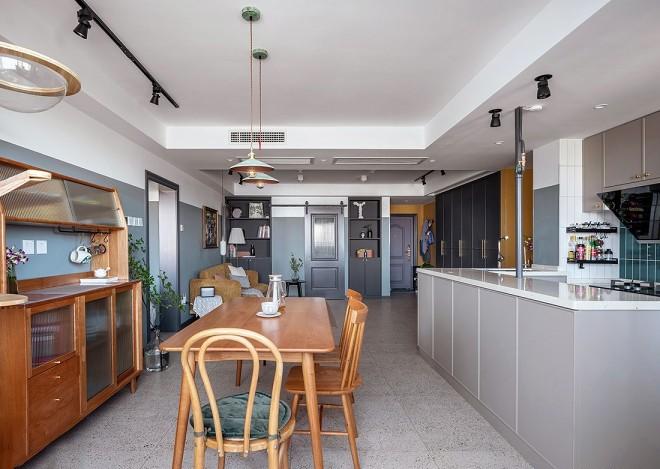 2021复古110平米装修设计 2021复古二居室装修设计