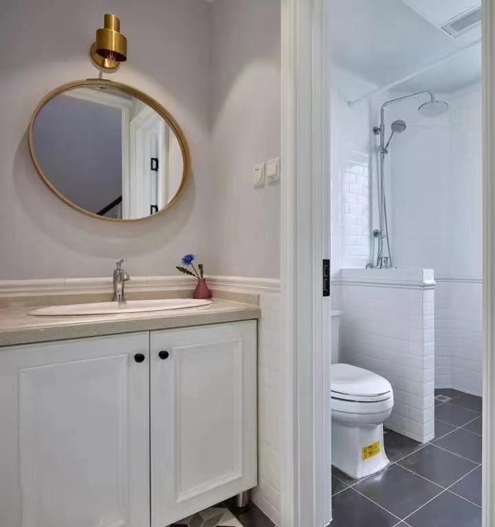 2021美式浴室设计图片 2021美式洗漱台装修设计图片