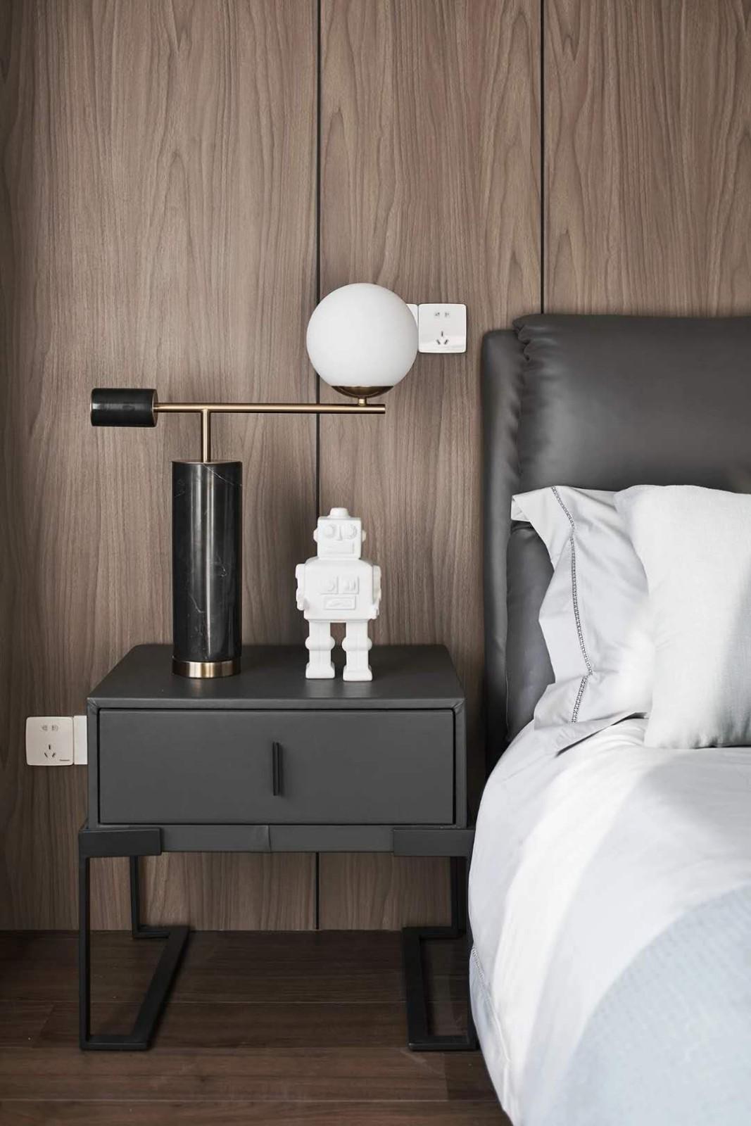 2021简约卧室装修设计图片 2021简约床头柜装修设计图片