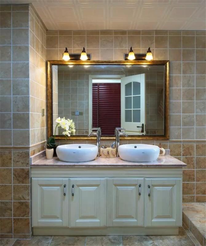 2021田园卫生间装修图片 2021田园浴室柜装修图