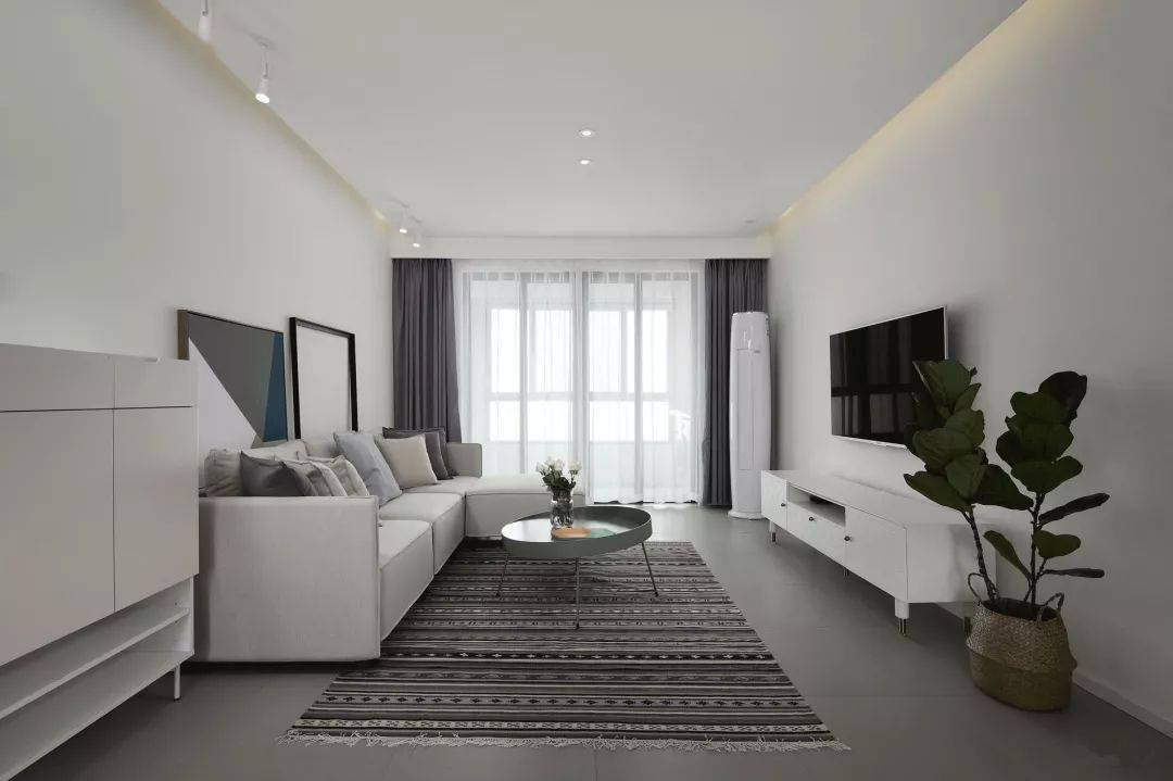 一百多平3室2廳,撞色搭配還挺有藝術感