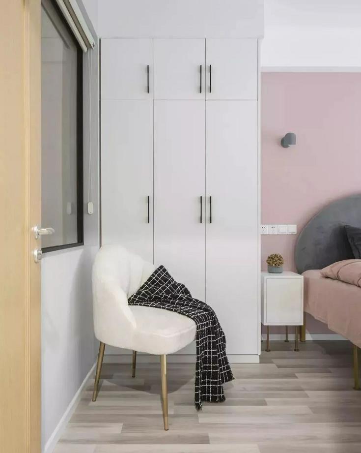 2021简约卧室装修设计图片 2021简约衣柜图片