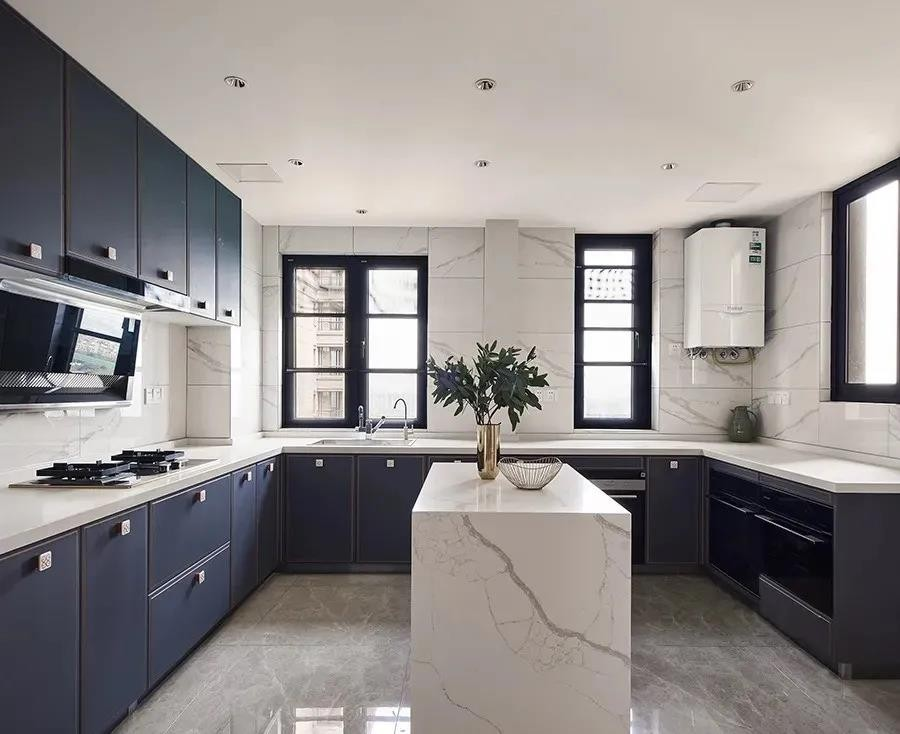 2021现代欧式厨房装修图 2021现代欧式厨房岛台效果图
