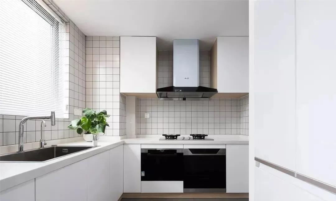 2021日式厨房装修图 2021日式橱柜装修效果图片