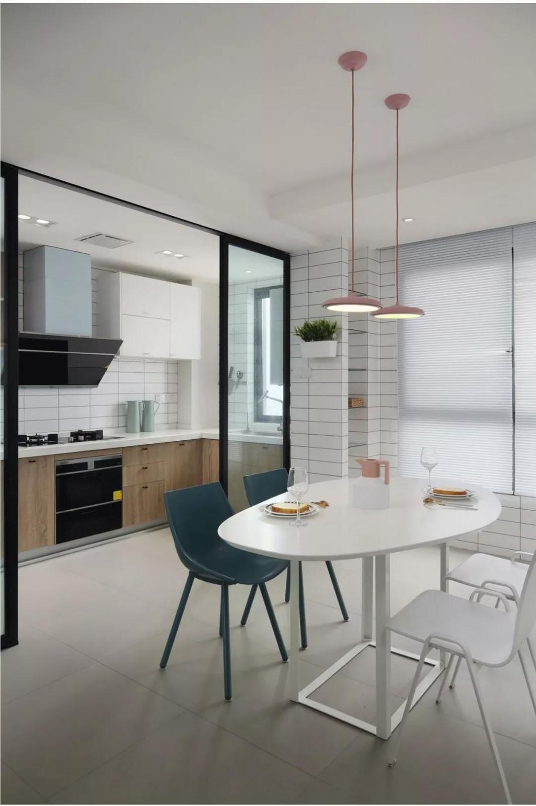 2021現代簡約餐廳效果圖 2021現代簡約餐桌裝修效果圖片