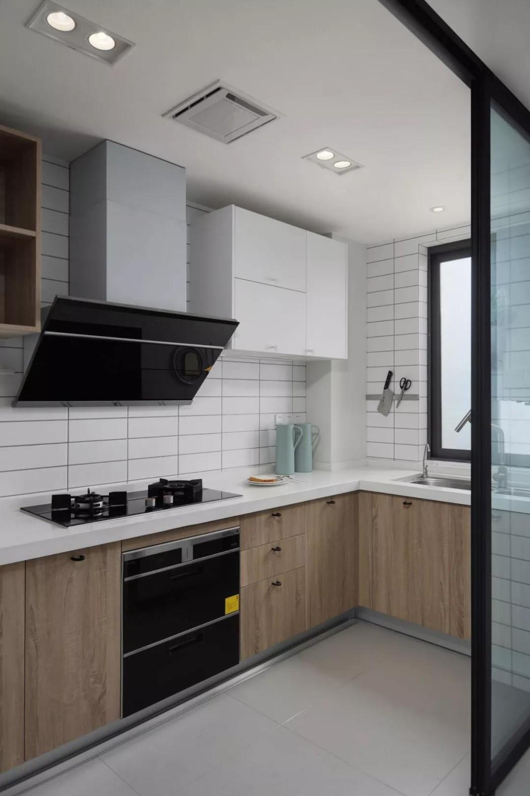 2021現代簡約廚房裝修圖 2021現代簡約廚房島臺效果圖