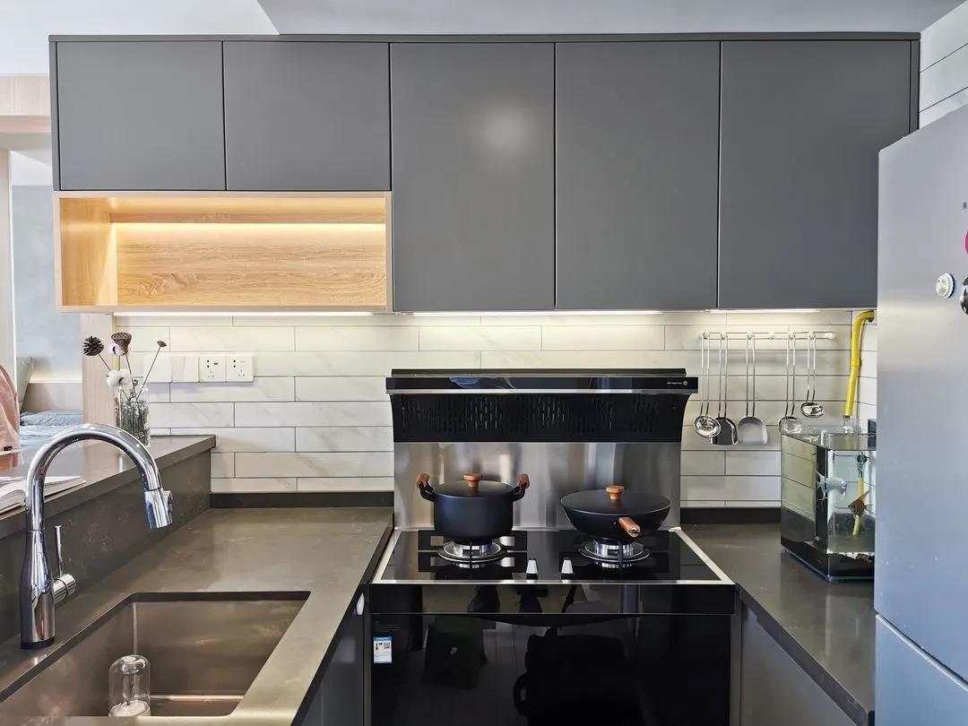 2021現代簡約廚房裝修圖 2021現代簡約櫥柜裝修設計