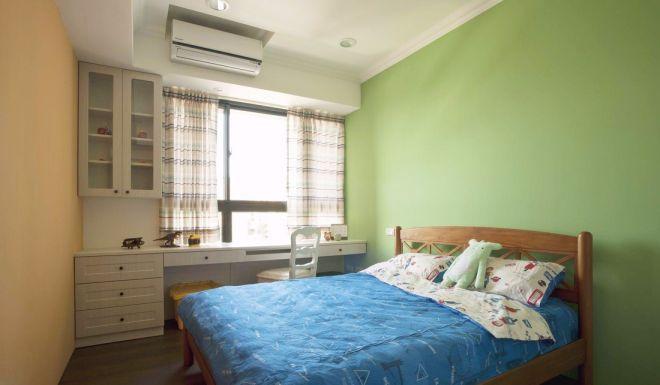 卧室彩色床乡村风格装修设计图片