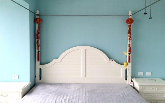 卧室白色吊顶现代风格效果图