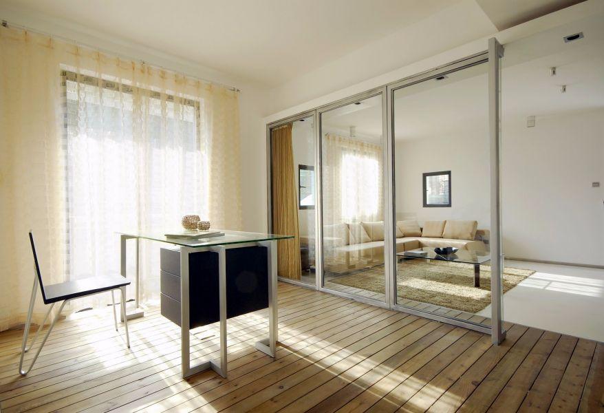 绿地中心现代简约风格76平二居室装修效果图