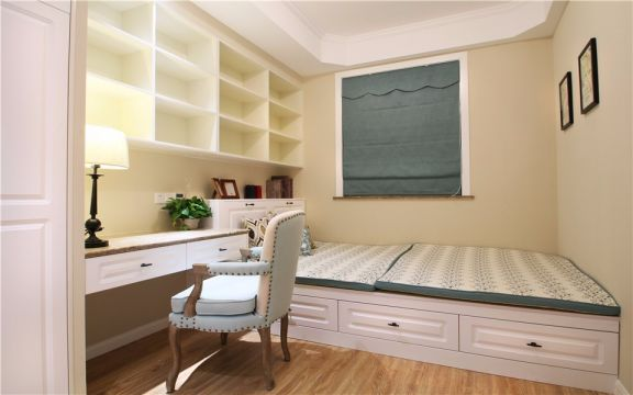 卧室米色床简欧风格装饰设计图片