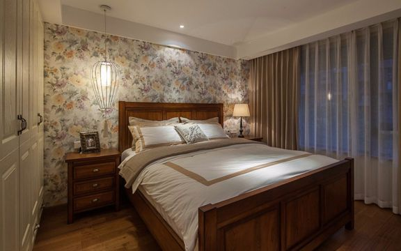 设计优雅卧室床装饰图