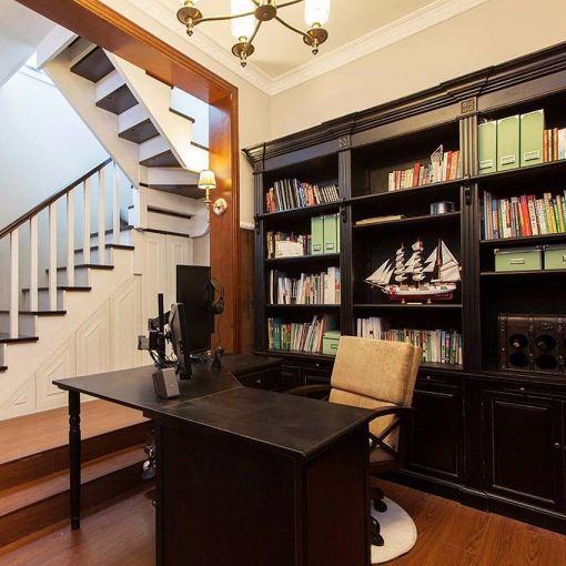 书房咖啡色书桌美式风格装修设计图片