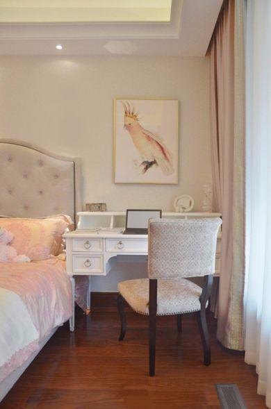 卧室梳妆台凳子欧式装修实景图