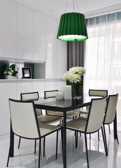 餐厅白色餐桌现代风格装修效果图