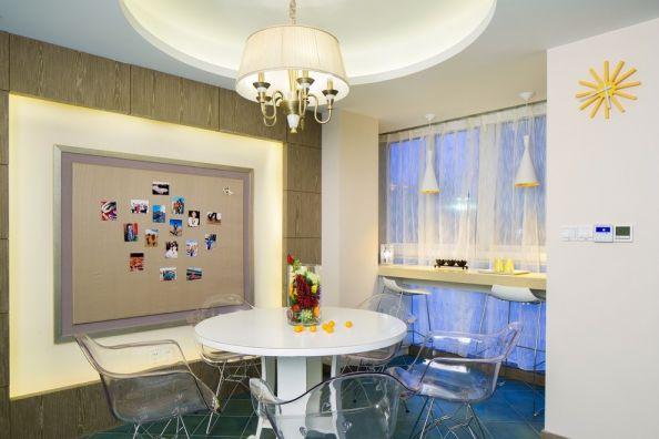 餐厅白色餐桌混搭风格装修效果图