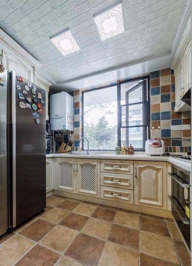 厨房米色橱柜地中海风格装修效果图