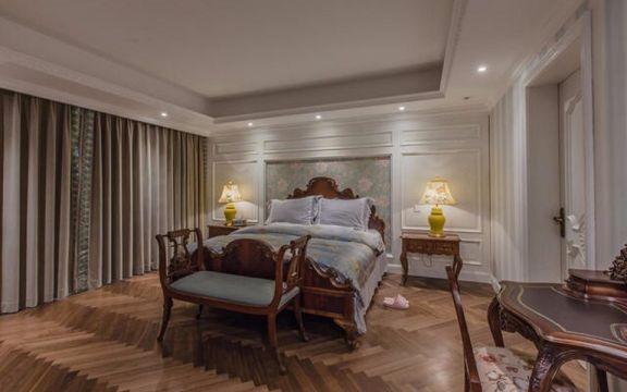 卧室咖啡色床美式风格装修设计图片