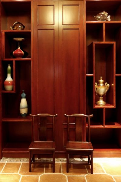 客厅博古架中式风格装饰图片
