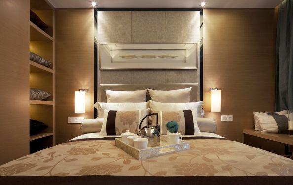 卧室黄色床头柜中式风格装饰图片