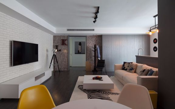 公园里103平北欧风格三居室装修效果图