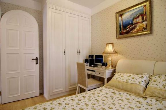 卧室白色衣柜欧式风格装修设计图片