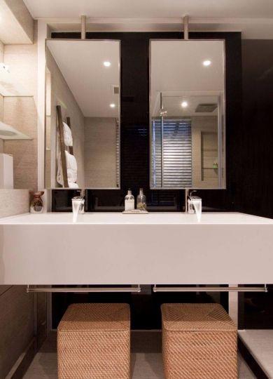 卫生间白色洗漱台简约风格装饰效果图