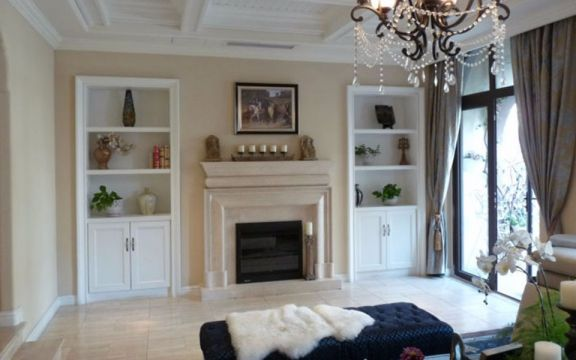 客厅灰色窗帘装修案例