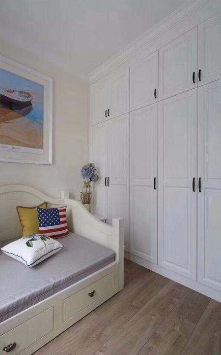 卧室白色衣柜美式风格效果图
