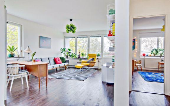 客厅绿色灯具北欧风格装修图片