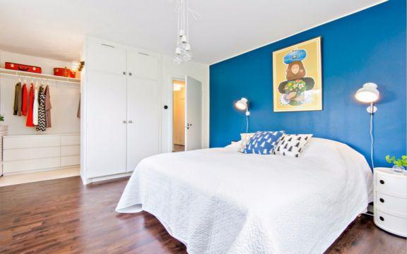 卧室白色衣柜北欧风格装潢图片