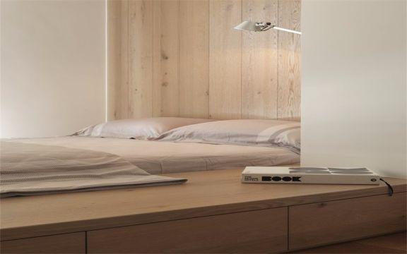 卧室咖啡色床现代风格装修效果图