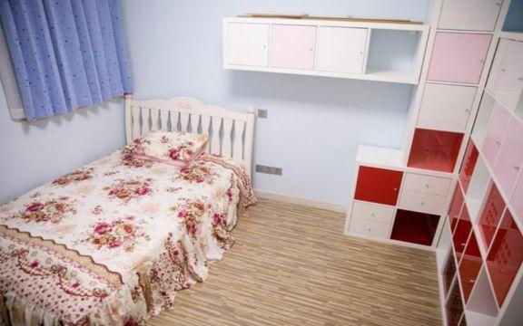 儿童房床日式风格装饰图片