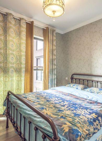 卧室黄色窗帘美式风格装饰设计图片