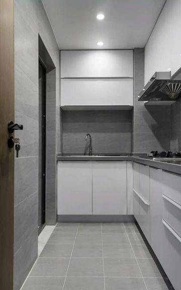 厨房白色橱柜现代简约风格装潢设计图片
