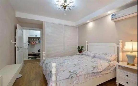 卧室白色衣柜美式风格装修设计图片