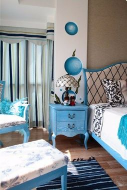 卧室床头柜地中海u乐娱乐平台实景图片