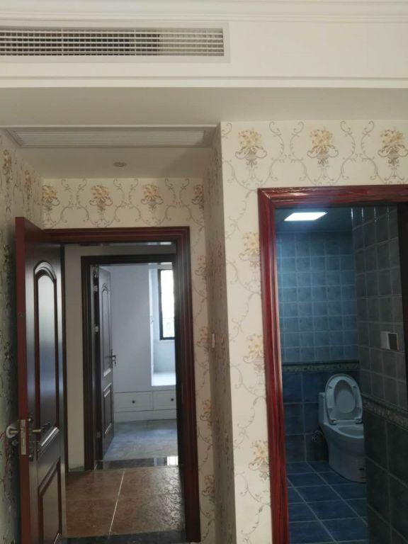 卫生间简约风格装潢图片
