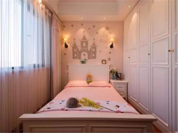 卧室白色窗帘新古典风格装潢设计图片