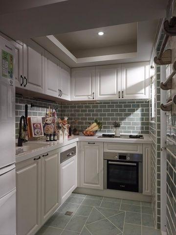 厨房白色厨房岛台地中海风格装修设计图片