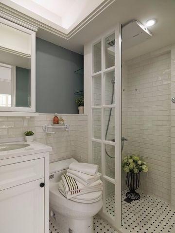 卫生间白色洗漱台地中海风格装修效果图