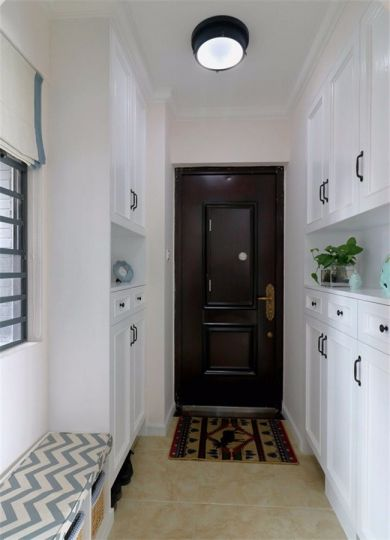 玄关鞋柜美式风格装潢设计图片