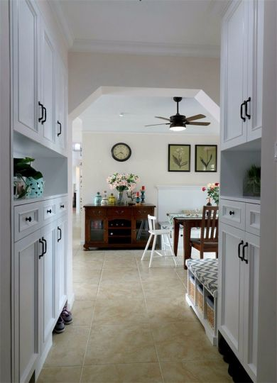 玄关地板砖美式风格效果图