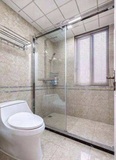 卫生间窗台美式风格装饰图片