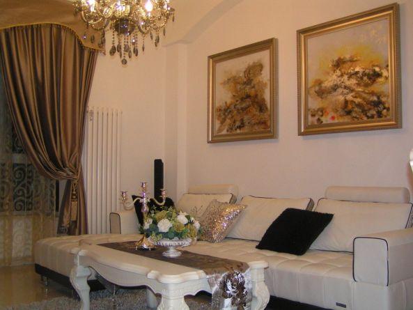 鲁能九龙花园欧式风格76平米三居室装修效果图
