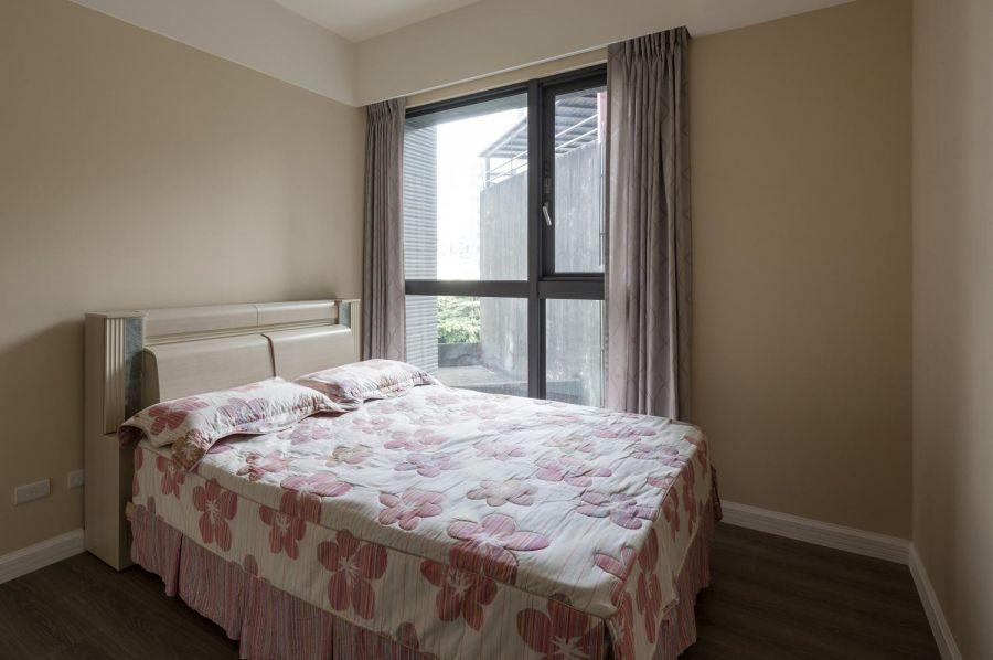 卧室窗台乡村风格装饰设计图片