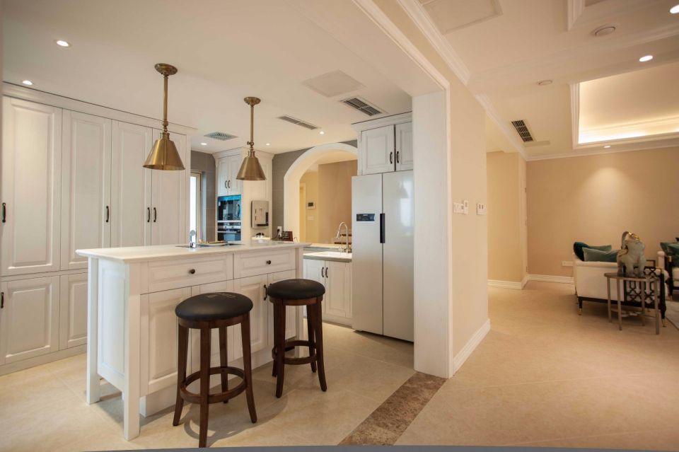 欧式风格厨房吧台装修图片