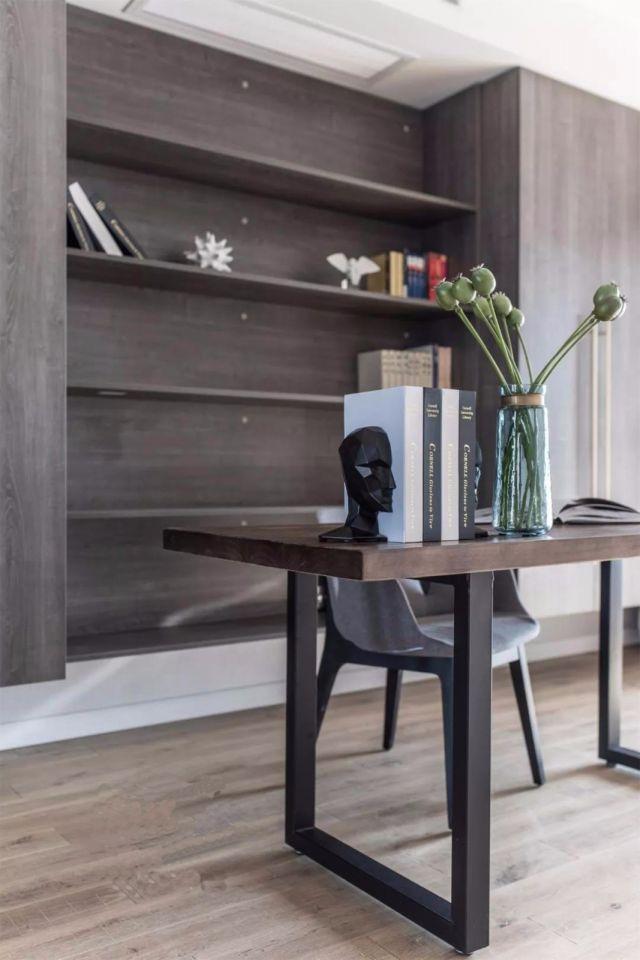 书房咖啡色书架现代风格装饰图片