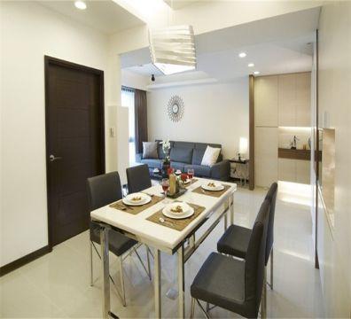 餐厅白色餐桌现代简约风格装潢效果图