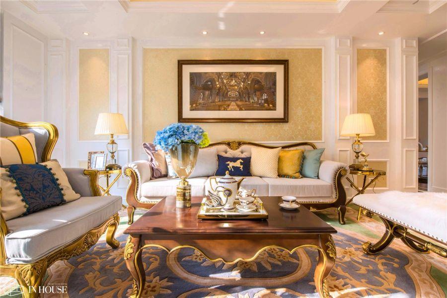 客厅米色沙发欧式风格装潢效果图